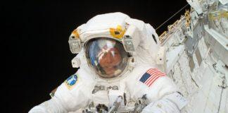 Cum invata un astronaut sa mearga din nou, dupa 197 de zile in spatiu VIDEO viral