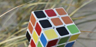 Cel mai scump cub rubik din lume. Istoria celui mai celebru joc puzzle