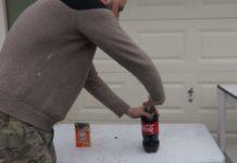 Ce se intampla daca pui bicarbonat de sodiu in cola. Efectul este uimitor VIDEO