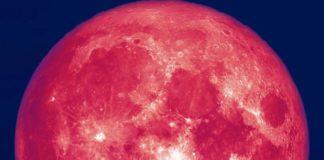 Luna Capsuna - fenomen rar pe cerul Romaniei.