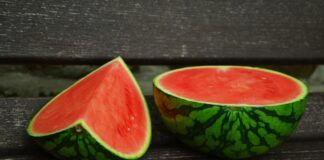 Cum alegi un pepene rosu copt. Cele mai bune trucuri care te ajuta sa alegi pepenele perfect