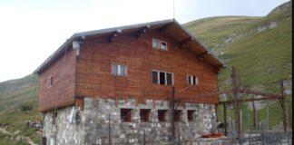 Cabana Babele si Cabana Caraiman. Ce s-a ales de cabanele din Bucegi. Imagini dezolante
