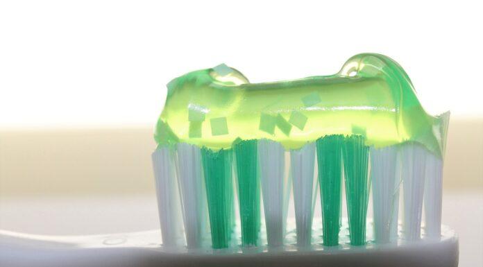 Pasta de dinti naturala. Ai nevoie de doar 4 ingrediente