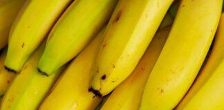 Pune o coaja de banana sub friptura, inainte sa o bagi la cuptor. Trucul la care sigur nu te-ai gandit