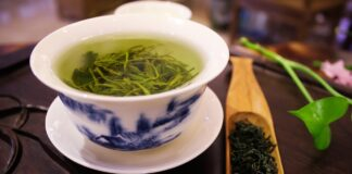 Ceaiul verde. Cat de sanatos este si cand se bea, de fapt