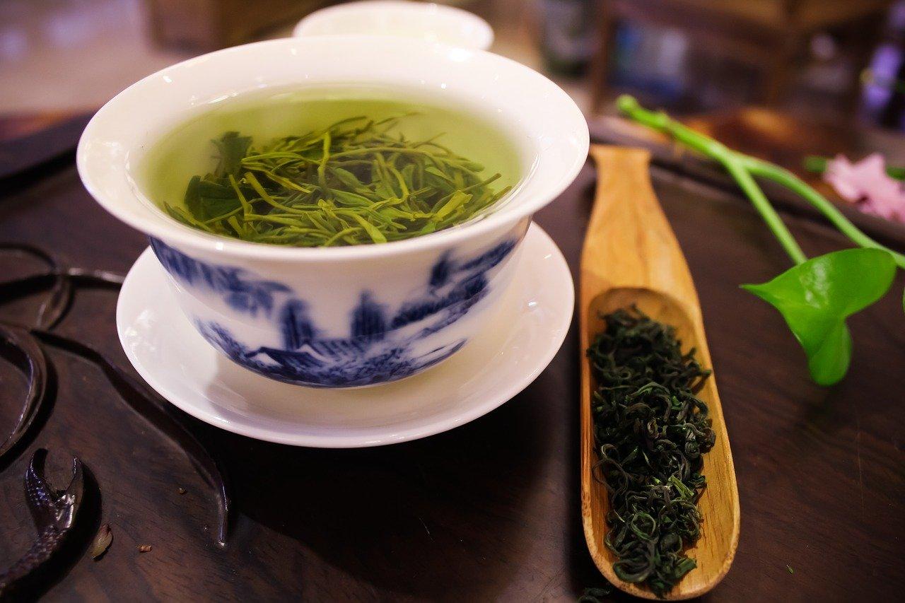 cand se bea ceaiul verde dimineata sau seara ceai de slabit farmacia tei