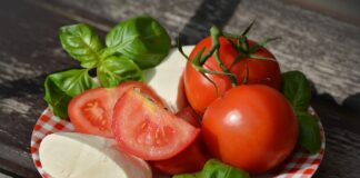 Cele mai periculoase combinatii alimentare. Toti romanii fac greseala asta nociva