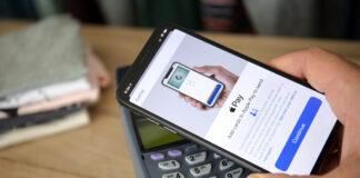 Posesorii de iPhone primesc o veste buna. Ce le ofera acum o banca din Romania