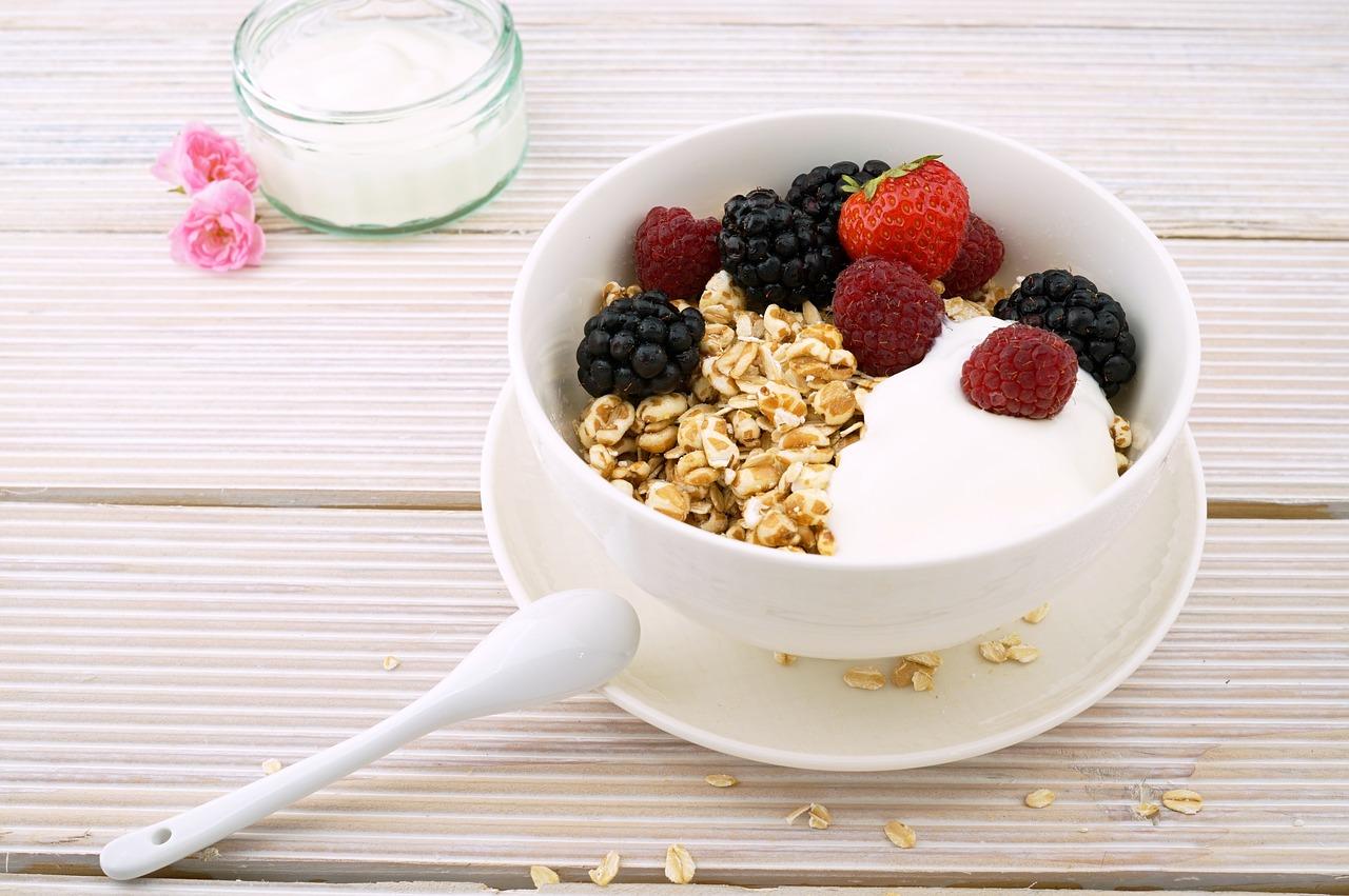 Dieta cu iaurt si fructe