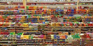 Cele mai toxice alimente de post. Capcana de la raft, din orice magazin