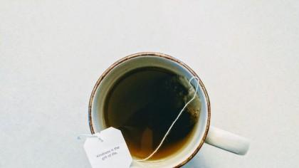Cel mai bun ceai împotriva gastritei și ulcerului: Specialiștii promit că efectele pozitive se văd după primele căni băute