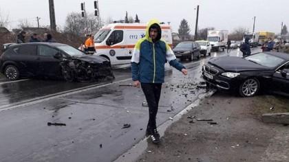 Accident terifiant. Cinci fotbaliști români au ajuns la spital, înainte de meci