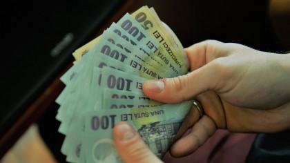 Se dau bani de la stat ca să-ți cumperi TELEVIZOR ultimul răcnet! 100.000 de români pot lua banii foarte simplu