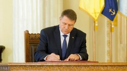 Klaus Iohannis a semnat decretele! Au fost promulgate legi importante pentru România