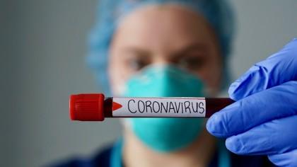 Românii sunt cel mai aproape de tratamentul pentru coronavirus. În Suceava, cercetătorii au spart genomenul COVID-19