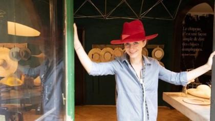 Cosmina Nicolescu, fondatoarea Fandacsia, femeia care s-a trezit în adolescenţă că vrea să facă o pălărie şi a transformat visul în business, 20 de ani mai târziu