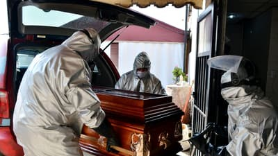Un bărbat din Vâlcea s-a sinucis după ce a aflat că soția infectată cu Covid-19 a murit