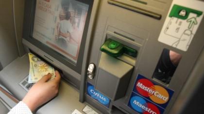 Bucla libaneza – o noua inselatorie la bancomat. Atentie, romani: cum vi se goleste cardul fara sa stiti