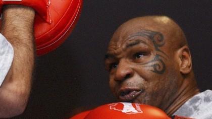 LIVE VIDEO Mike Tyson BOXEAZA ACUM! Revine in ring la 54 ani intr-un meci de poveste!