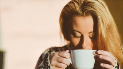 Ai probleme cu acneea? Atunci ar trebui să consumi mai des aceste ceaiuri