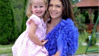 Incredibil cât de mare a crescut și cât de frumoasă este Irina, fiica Monicăi Gabor și a lui Irinel Columbeanu! FOTO
