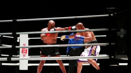 Mike Tyson contra Roy Jones Jr.  – EGALITATE. Cati bani au incasat sportivii pentru meciul demonstrativ