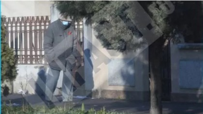 Imagini dezolante cu Alexandru Arşinel, pe stradă. Marele actor, dărâmat de pandemia de covid-19