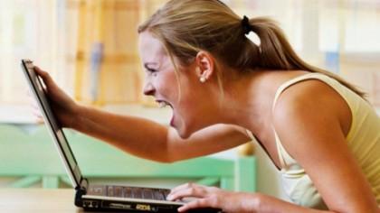 Mireasa s-a uitat în laptopul soţului, imediat după nuntă. I-a aflat secretul mizerabil şi a depus actele de divorţ