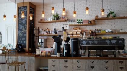 Câți BANI câștigă LUNAR un barista angajat la Starbucks România