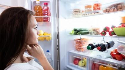 Alimentele pe care le poți mânca după expirare. Greșeala fatală făcută de români: toți le aruncă imediat