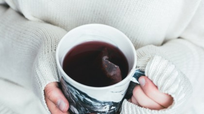 Cele două ceaiuri care pot provoca hepatită și cancer de colon. Românii le beau în exces, fără să știe ce probleme pot avea. Medicul Laura Ene explică