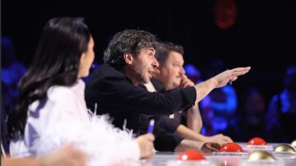 """Dragoș Bucur, dezamăgit de jurații """"Românii au talent"""": """"Mă așteptam ca Bobonete să spună glume toată ziua, mă așteptam ca Andra să cânte"""""""