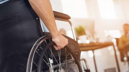 Persoanele adulte cu dizabilități din orașul Deva pot beneficia de un nou serviciu social